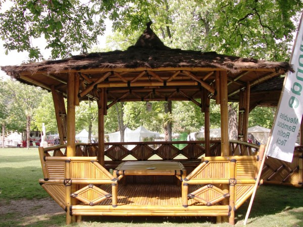 Vente mobilier abris jardin en bambou reprendre for Vente mobilier jardin