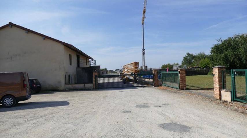 A reprendre fonds de commerce MACONNERIE CHARPENTE au Nord de Bourg en Bresse