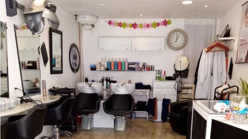 Salon de coiffure mixte à reprendre à La Tremblade