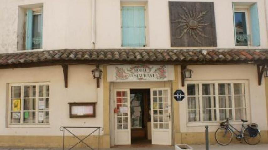 A reprendre, dans le Larzac méridional, restaurant situé dans commune proche de Lodève (34)